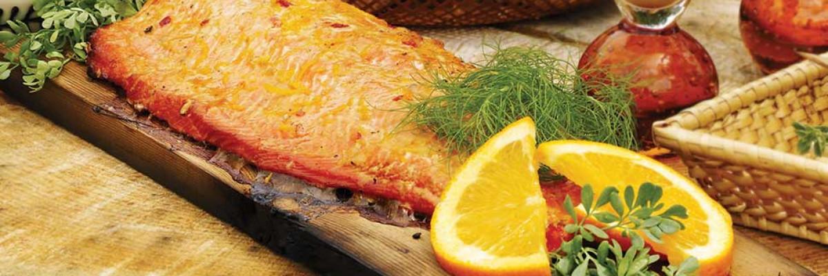 Saumon sur planche de cèdre et marinade asiatique au gingembre